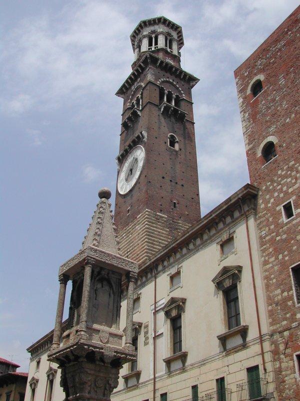 صور حقيقيه لمنزل روميو و جوليت Verona11